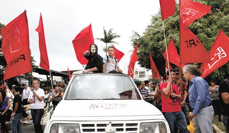 Huelga dejó servicios a medias