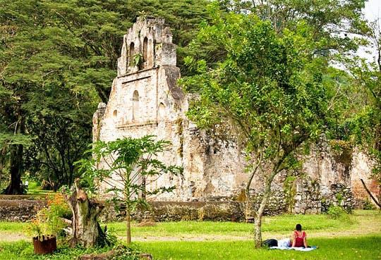 201307031541481.ruinas-de-ujarras.jpg