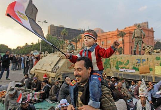 OTAN pide volver rápido al poder civil en Egipto