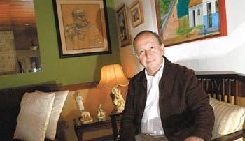 Hernández conservador frente uniones gais