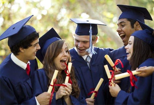 Empleate gradúa 43 jóvenes