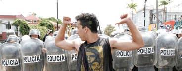 Ticos dicen no a revolución armada