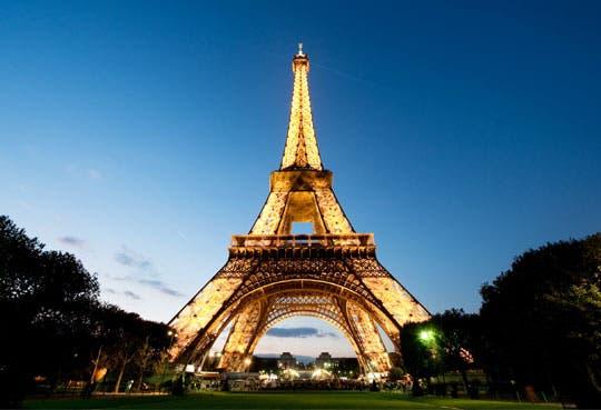 Google presenta herramienta para visitar Torre Eiffel
