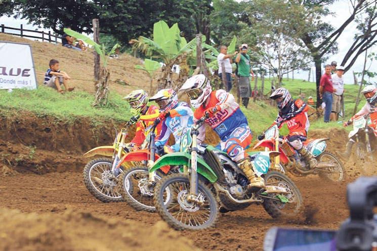Cartago recibe el motocross