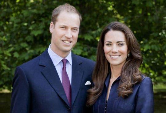 Duques de Cambridge salen del hospital