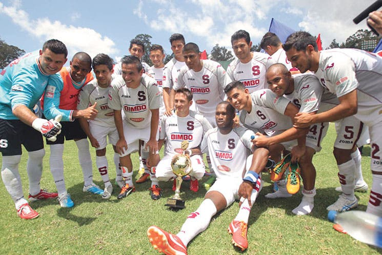 Saprissa sigue bien