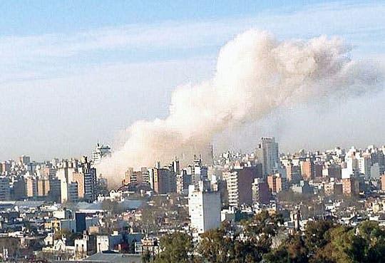 Buscan a desaparecidos tras explosión de Rosario