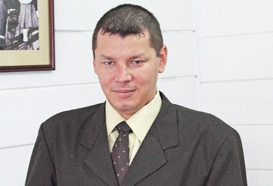 Expulsar a diputados del PASE, propone López