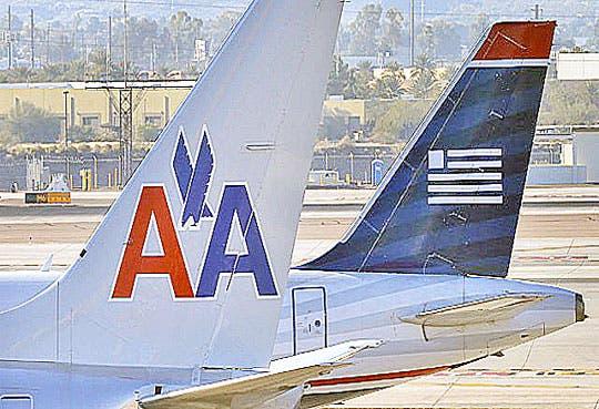 EE.UU. demanda fusión de aerolíneas