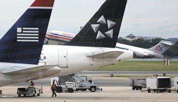 EE.UU. presenta demanda contra fusión de aerolíneas