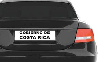 """Carros de la Asamblea """"por la libre"""" en campaña"""