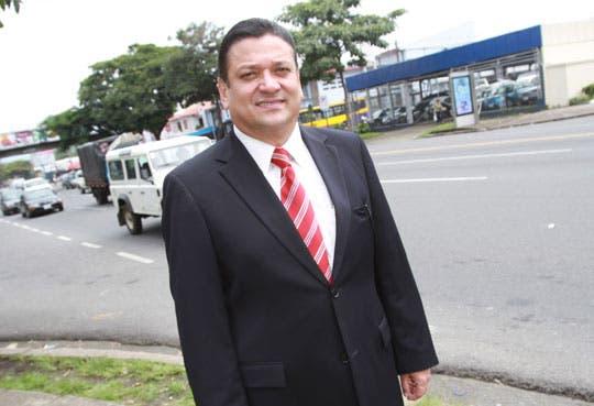 Araya construiría aeropuerto en Zona Sur