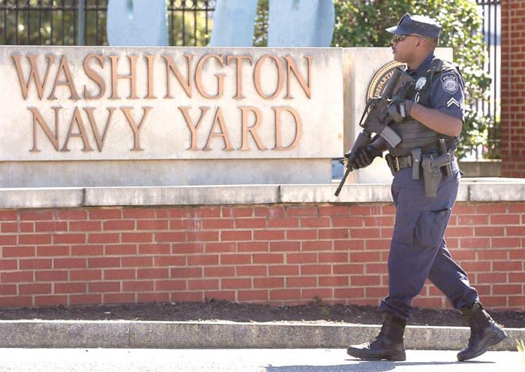 EE.UU. revisa su seguridad tras tiroteo