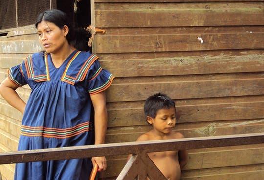 Consultan a indígenas sobre bienes y derechos
