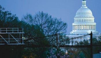 Cámara de EE.UU. dejó sin fondos reforma sanitaria