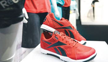 Reebok busca revivir antigua gloria