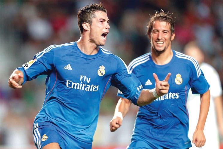 Real Madrid triunfa con polémica