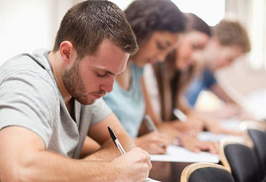 201309261737181.estudiantes-u.jpg