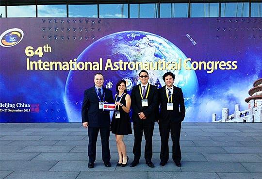 201309270955441.congreso-de-astronautica.jpg