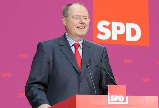 Líder socialdemócrata alemán dimite de sus cargos