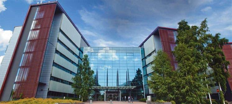 Nokia estudiaría alianza con Alcatel
