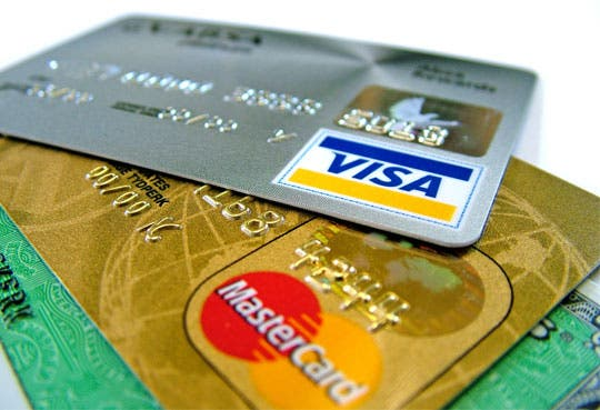 Endeudamiento por tarjetas de crédito aumentó