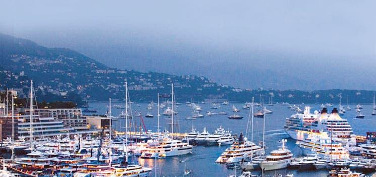 Mónaco exhibe yates tras la crisis