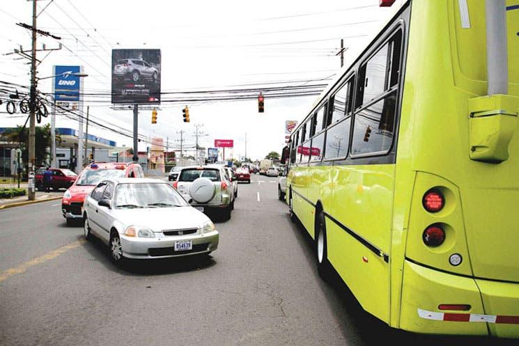 Más buses, menos gente