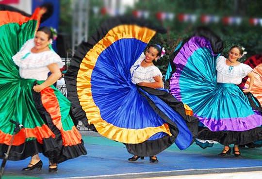 201310031032071.baile-tipico.jpg