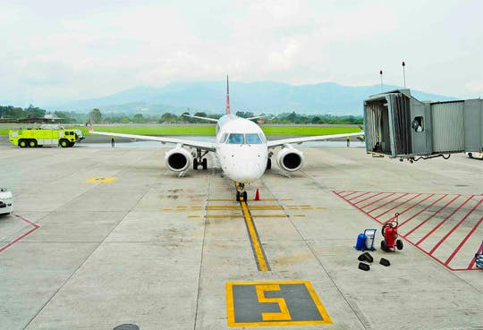 Costa Rica buscará atraer nuevas rutas aéreas