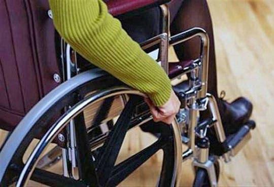 JPS entrega ayudas a personas con discapacidad
