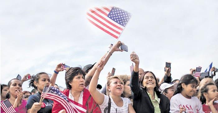 Arrestan a congresistas por reforma migratoria