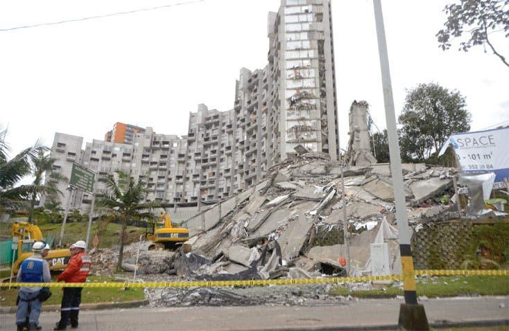 Incertidumbre tras desplome de edificio en Colombia