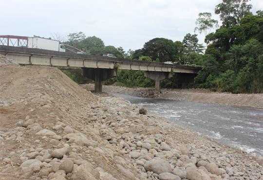 201310151222271.trabajos-rio-parismina.jpg