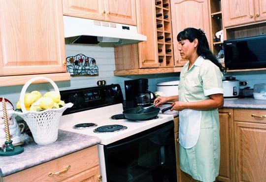 Nueva ley beneficiará a empleadas domésticas