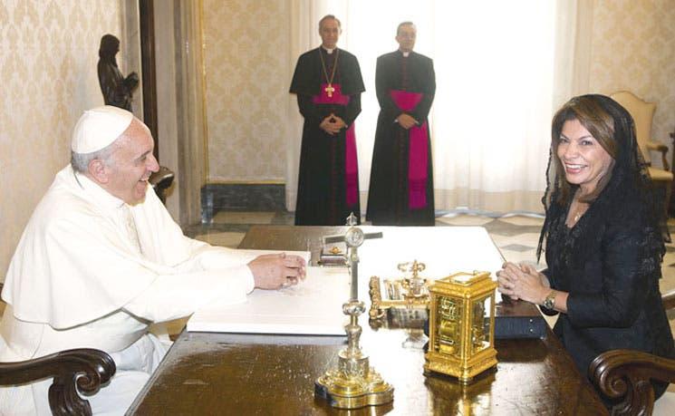 Papa y Chinchilla hablaron de paz, solidaridad y ambiente