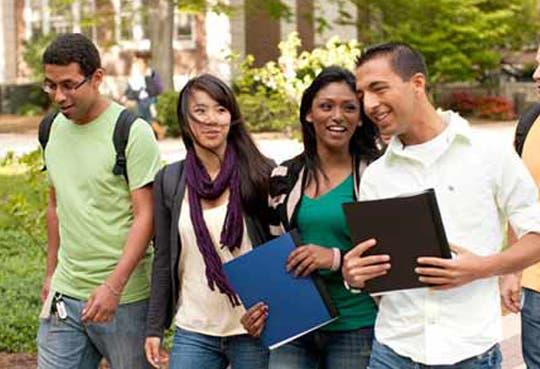 Más extranjeros estudian en EE.UU