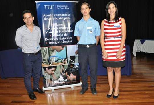 Mejores 30 notas de admisión al TEC reciben homenaje