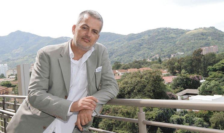 Antonio Zavala pone sus ojos en Costa Rica