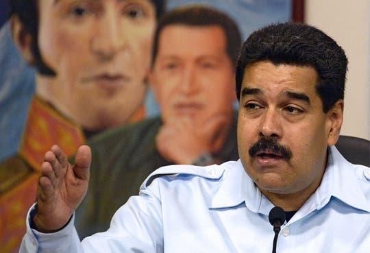 Maduro entregará tabletas y pondrá internet gratuito