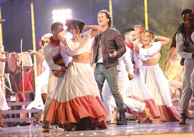 Carlos Vives reina en una ceremonia amable con Draco Rosa