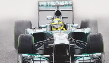 Rosberg domina en la lluvia