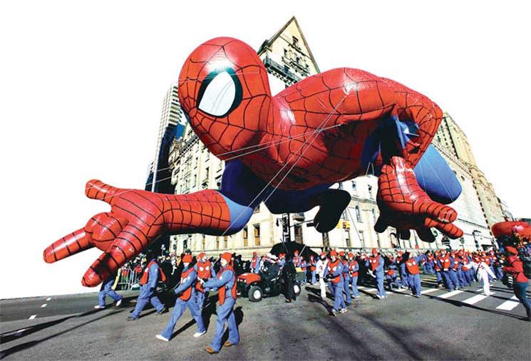 Globos del desfile de Acción de Gracias recorrieron Nueva York