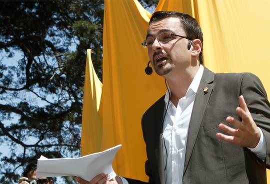 Villalta reconoce abusos en convenciones colectivas