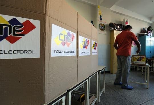 """""""Chavismo"""" triunfa en Venezuela"""