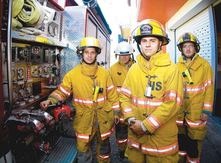 Refuerzan bomberos