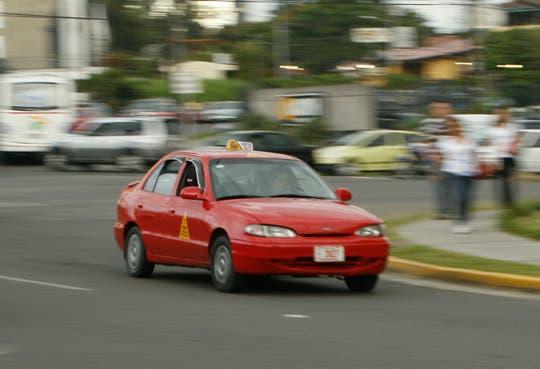 Minae se opone a prorroga de circulación de taxis