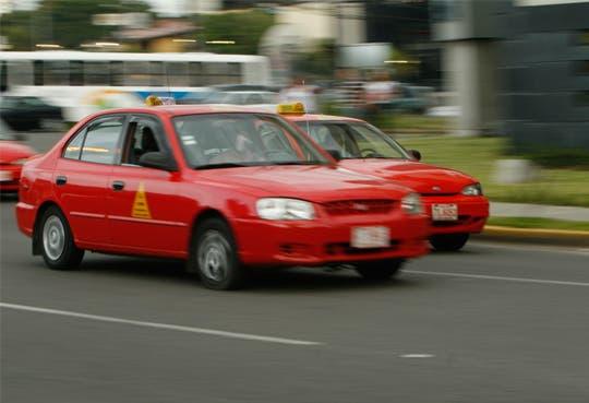 Taxis antiguos se quedarán sin permiso