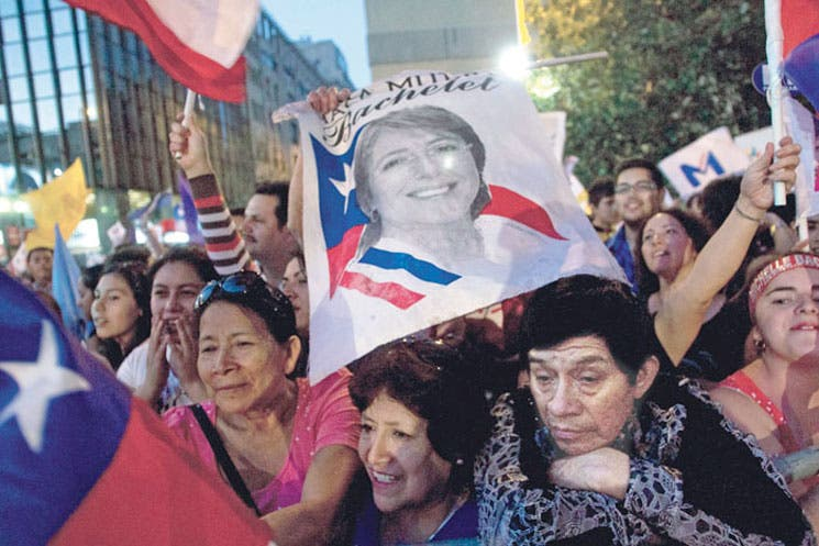 Piñera y Bachelet coordinan traspaso de poder