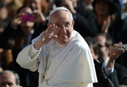 Papa cumple 77 años